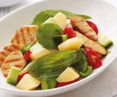 Tavuklu Kuzu Kulağı Salatası