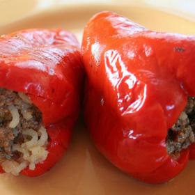 Etli Kırmızı Biber Dolması